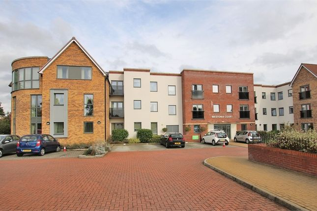Thumbnail Flat for sale in Westonia Court, Westone, Northampton