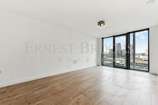 Thumbnail Flat to rent in Stratosphere Tower, Stratford