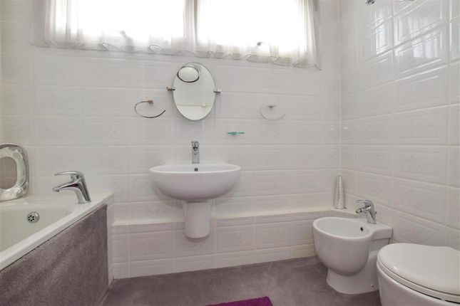 Bathroom of Laxton Close, Bearsted, Maidstone, Kent ME15