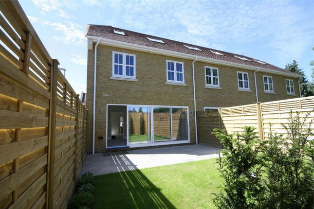Thumbnail Town house for sale in Kingsway Mews, Farnham Common, Buckinghamshire