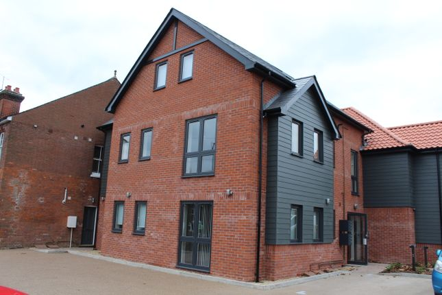 Thumbnail Flat to rent in Fornham Road, Bury St. Edmunds