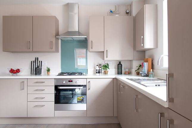 Thumbnail Flat for sale in Flat 2, 6 Pavilion Park, East Molesey, Surrey