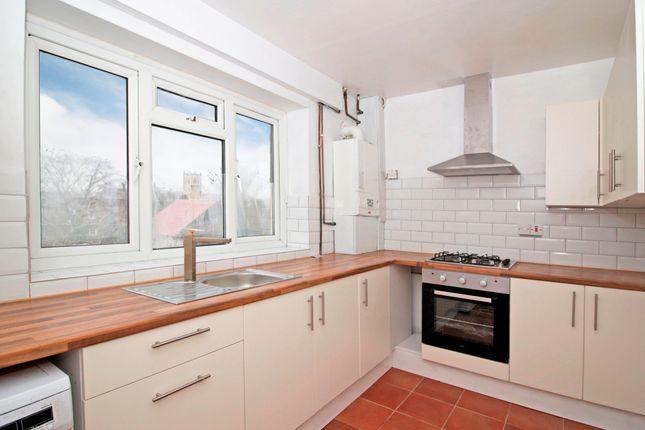Thumbnail Flat to rent in Guyscliff Road, London