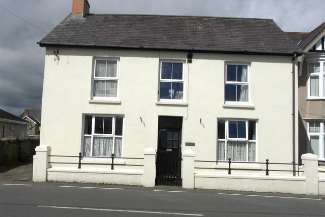 3 bed property for sale in Llanybydder SA40
