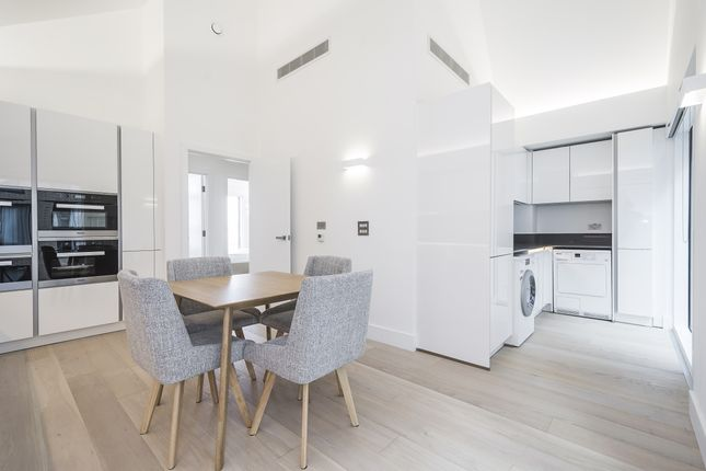 Thumbnail Flat to rent in Central Avenue Fulham Riverside, London