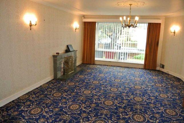 Lounge of Evesham Close, Thornton-Cleveleys FY5