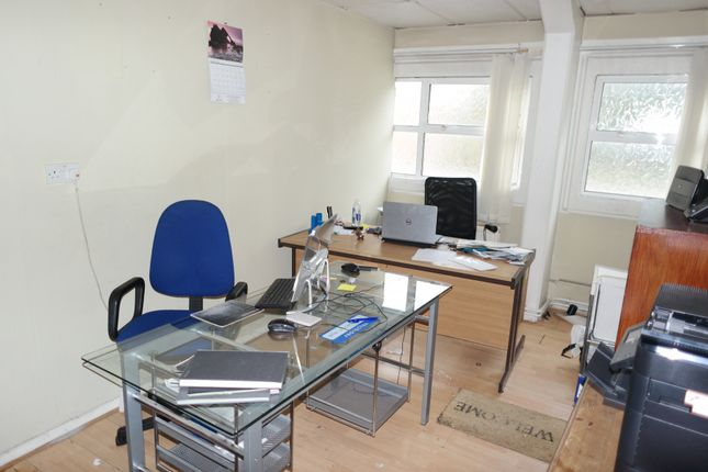 Office to let in Stanley Avenue, Wembley