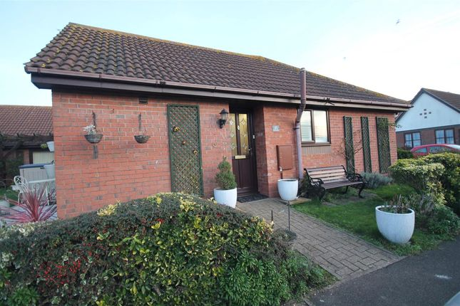 Main Picture of Spinnaker Close, Clacton-On-Sea CO15