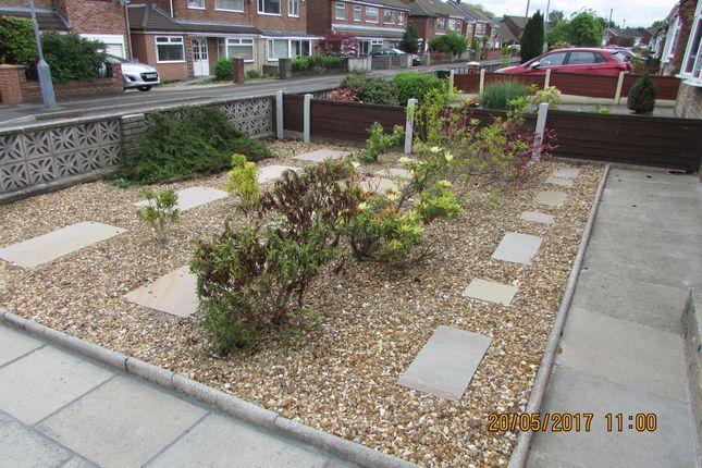 Front Garden of Martin Close, Denton M34