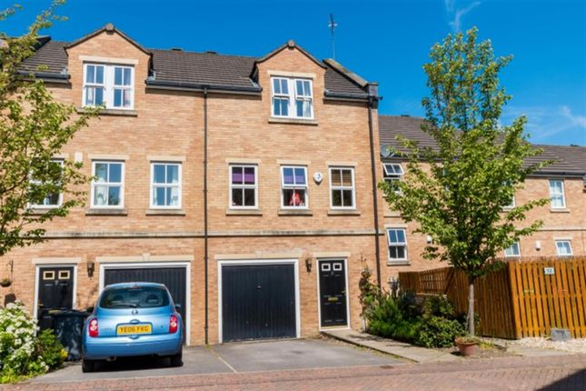 Thumbnail Terraced house for sale in Lawson Court, Farsley, Pudsey
