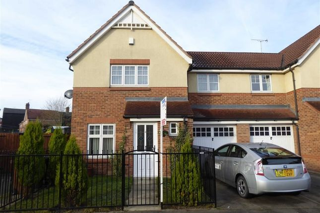Thumbnail Semi-detached house to rent in Tavistock Way, Leeds, West Yorkshire