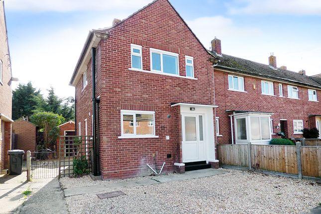 2 bed end terrace house for sale in Oak Grove, Bognor Regis