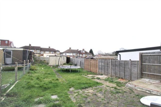 Picture No. 07 of Gerrard Gardens, Pinner HA5