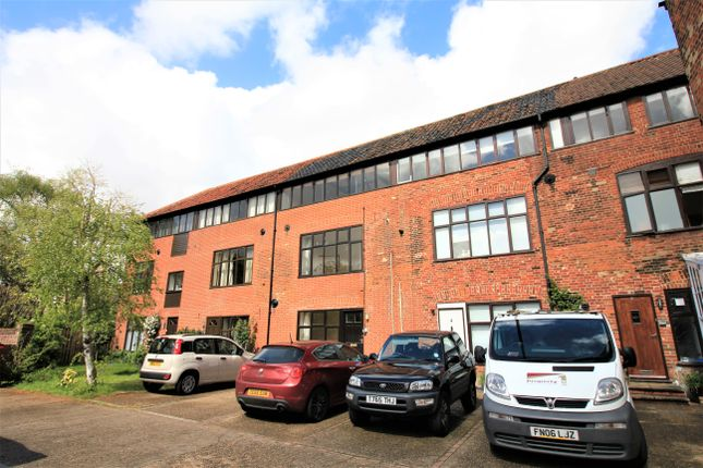3 bed town house to rent in Philippa Court, Norwich NR3