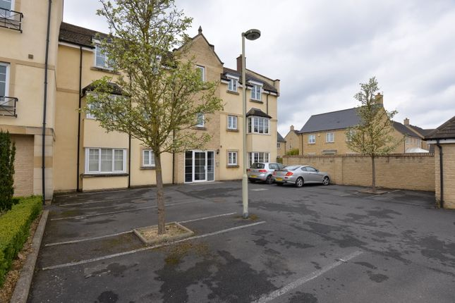 Thumbnail Flat to rent in Woodley Green, Madley Park, Witney