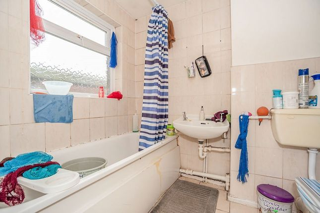 Bathroom of Wellington Close, London SE14
