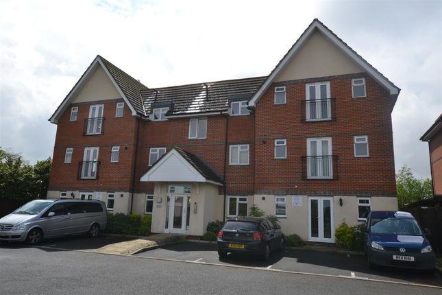 Thumbnail Flat to rent in Neville Court, Uxbridge Road, Hayes
