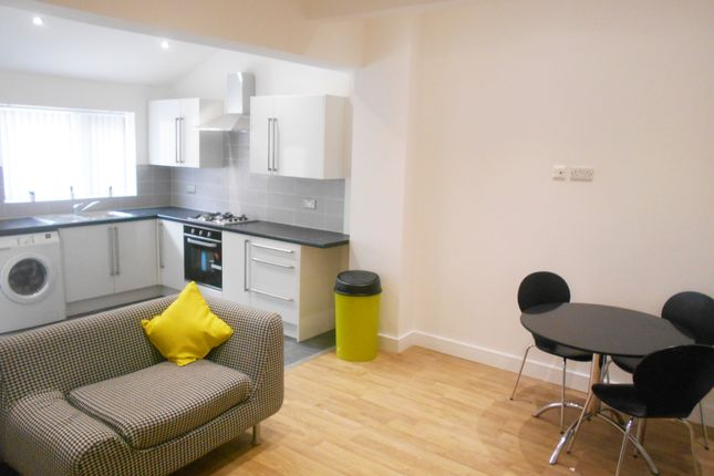 Thumbnail Terraced house to rent in Store Street, Sheffield