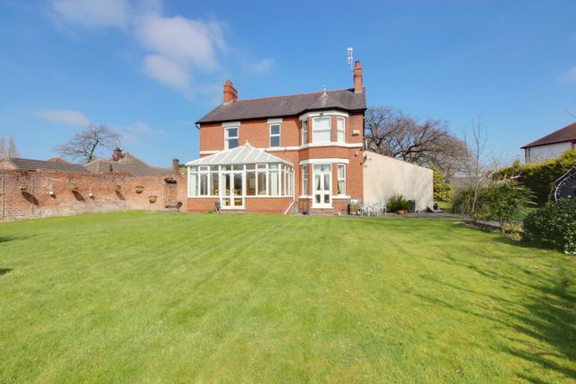 Thumbnail Detached house for sale in Saughall Road, Chester