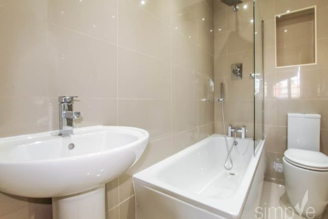 Thumbnail Flat to rent in Rushdene Crescent, Northolt, Middlesex