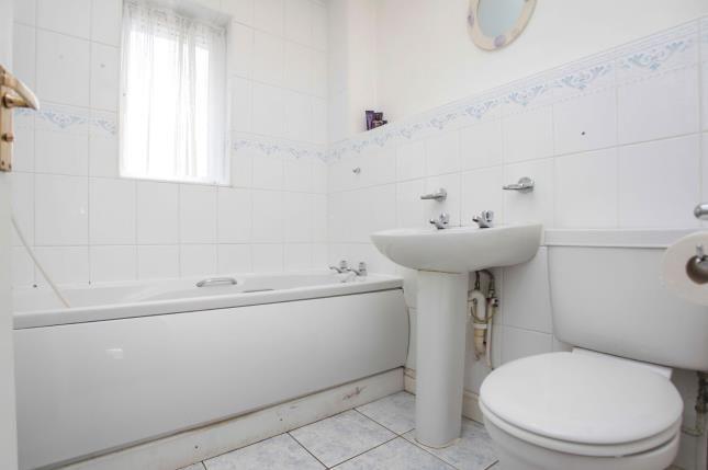 Family Bathroom of John Shelton Drive, Coventry, West Midlands CV6