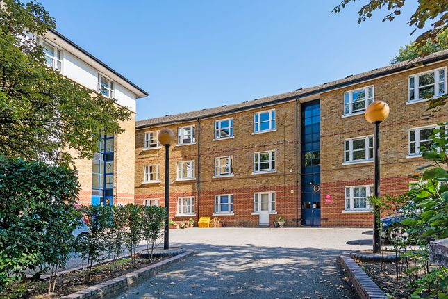Thumbnail Flat for sale in Victoria Park Road, London