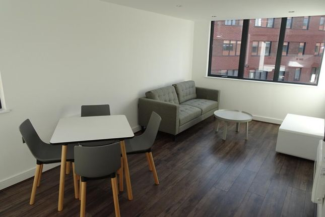 Flat to rent in Madison House, 94 Wretham Street