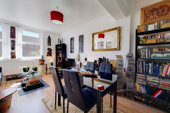 2 bed flat for sale in Court Road, London SE9