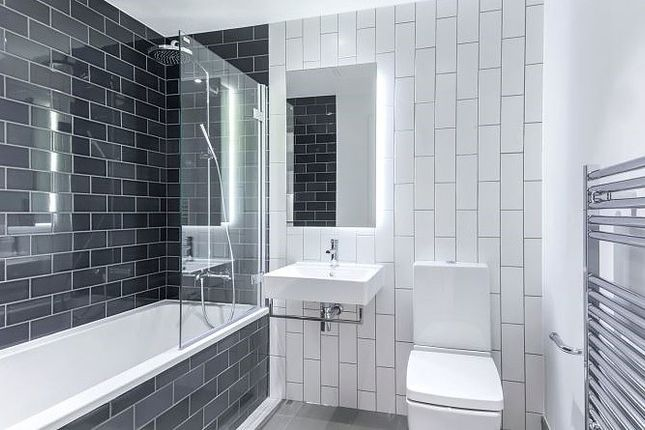 Bathroom of Summerston House, Royal Wharf, Starboard Way E16
