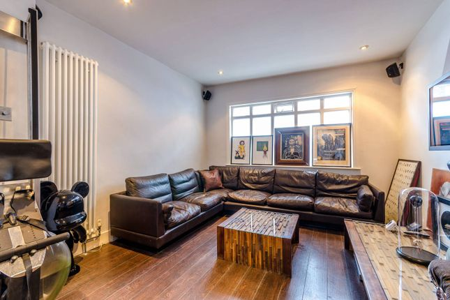 Thumbnail Property to rent in Crawthew Grove, East Dulwich, London