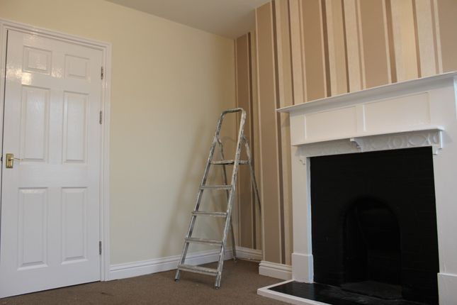 Thumbnail Flat to rent in Melton Road, Syston, Syston, Leicester