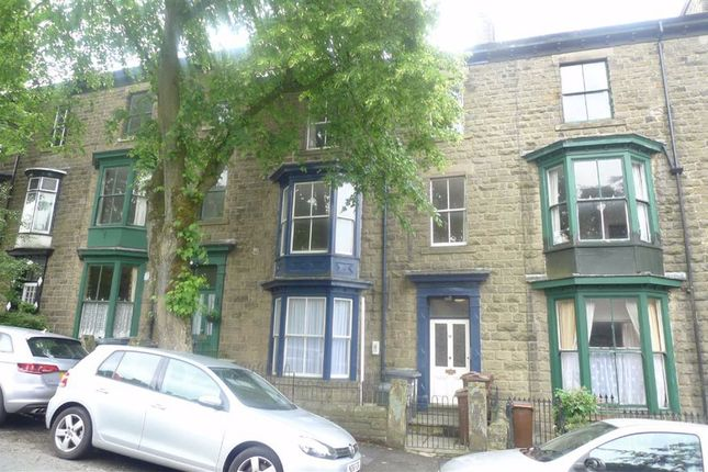 Thumbnail Flat to rent in Bath Road, Buxton, Derbyshire