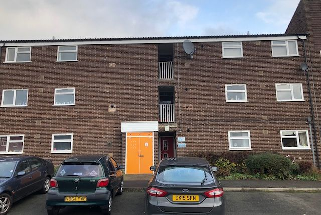 Thumbnail Flat for sale in Hanbury Close, Holme Hall, Chesterfield