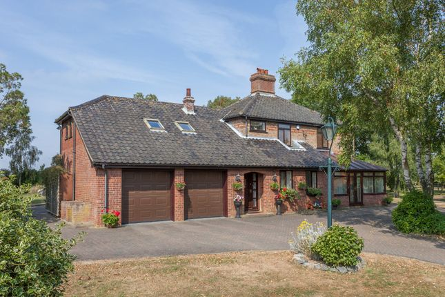 Thumbnail Detached house for sale in Church Road, Ringsfield, Beccles