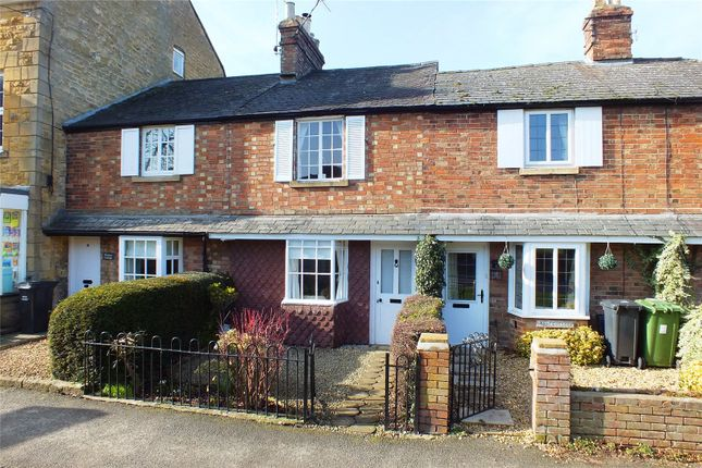 Thumbnail Terraced house for sale in Leamington Road, Broadway, Worcestershire