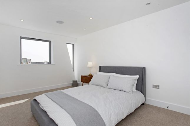 Bedroom of The Shore, The Leas, Chalkwell SS0