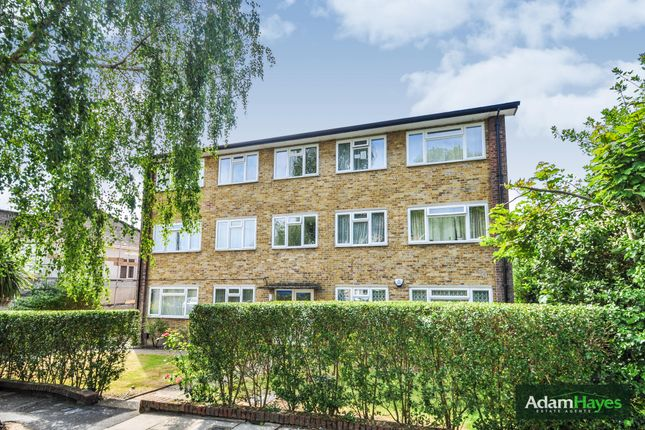 Flat for sale in Friern Park, North Finchley