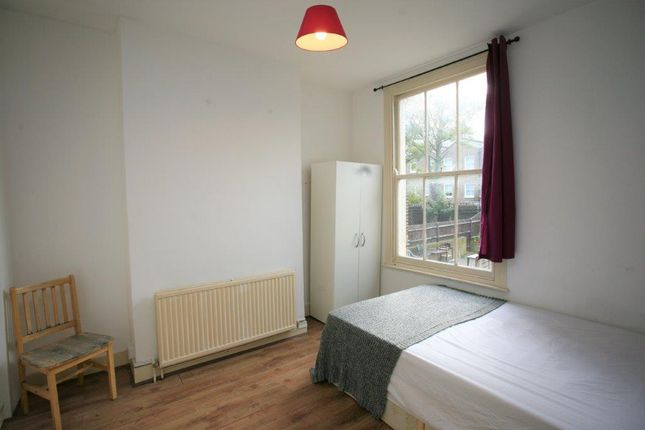 Thumbnail Shared accommodation to rent in Bancroft Road, London