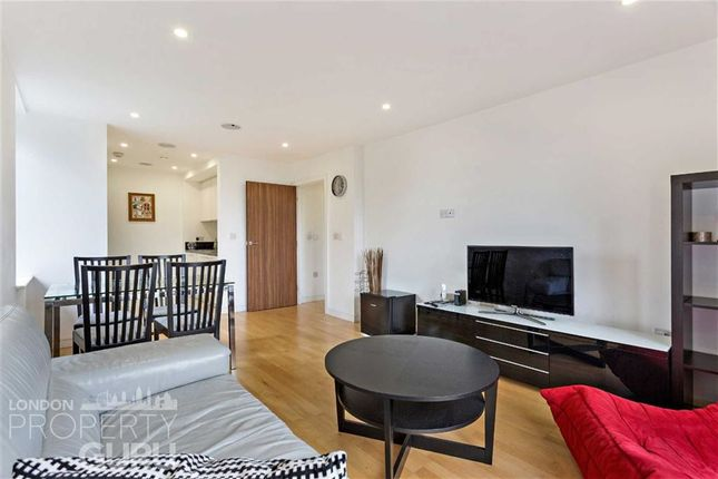 Thumbnail Flat for sale in Chartfield Avenue, London, Putney
