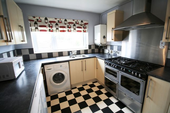 Flat to rent in Woodcock Close, Colchester