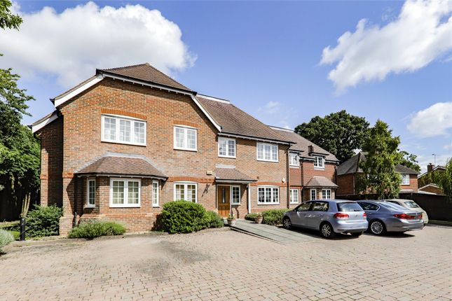 Thumbnail Flat for sale in Torleven Heights, Forest Road, Binfield, Bracknell
