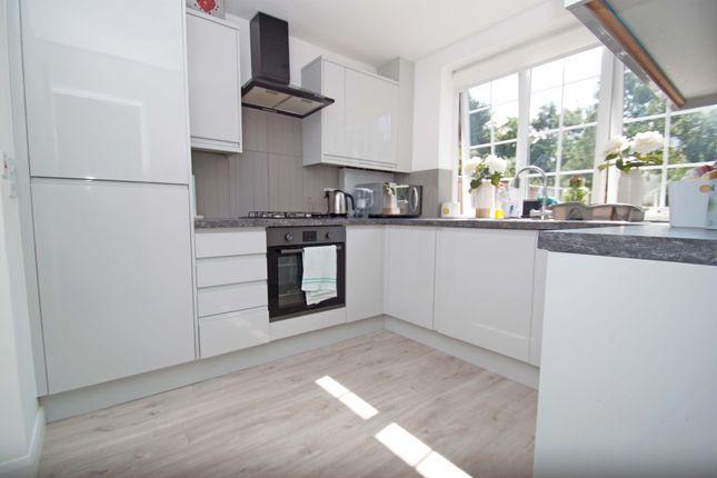 Thumbnail Maisonette to rent in Richmond Road, New Barnet, - Own Private Garden