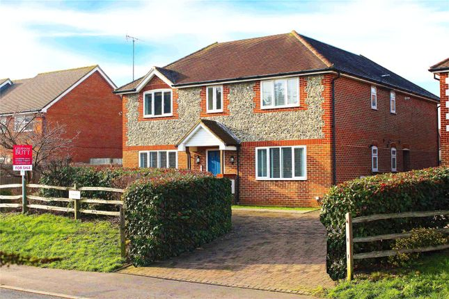 Picture No. 19 of Roundstone Lane, Angmering, West Sussex BN16
