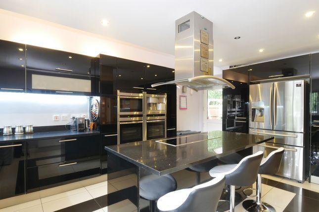 Bandley Rise Stevenage Sg2 5 Bedroom Detached House For