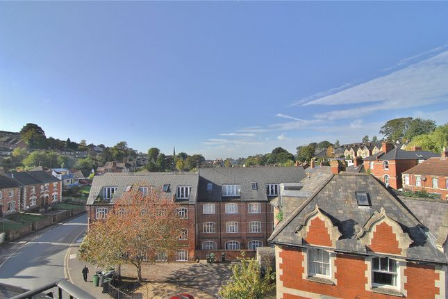 Picture No. 04 of Little Mill Court, Stroud, Gloucestershire GL5