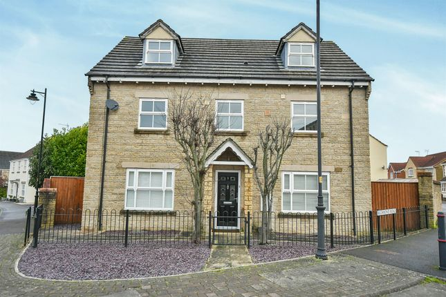 Thumbnail Detached house for sale in Richmond Road, Calne