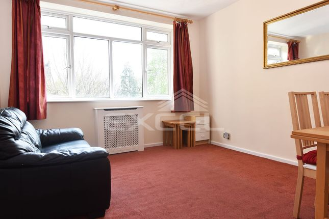 Thumbnail 1 bed flat for sale in Wellesley Court, Maida Vale, London