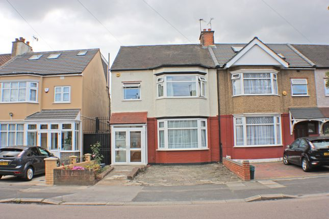 Thumbnail Terraced house to rent in Glenham Drive, Gants Hill