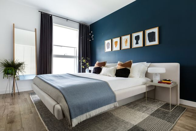 Bedroom of Hornchurch Square, Farnborough GU14