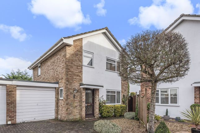 Detached house for sale in Hawthorn Close, Wallingford